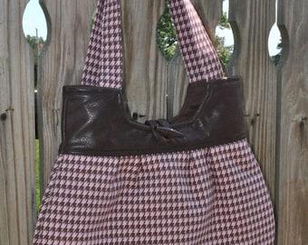 Pink Houndstooth with leather shoulder bag