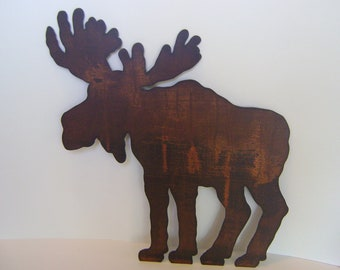 Rusted Metal Moose Wall Hanging with a coated polyurethane finish, ready to hang.