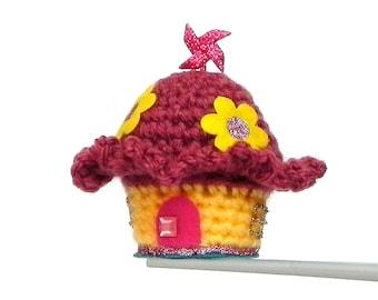 Flower Fairy House MochiQtie - Amigurumi mini crochet house / pincushion