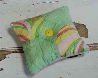 Bowtie Patchwork Pincushion, Folk Art Vintage Quilted Feed Sack Primitive Sewing Pin Keep, Collectible Pinkeep itsyourcountry