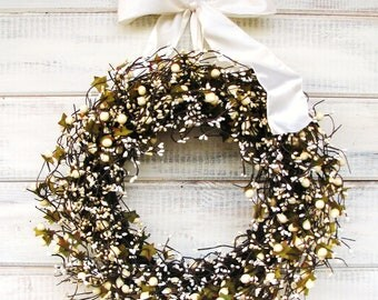 Wedding Decor- Wedding Wreaths-Fall Weddings-CREAM BERRY & ANTIQUE White Wreath-Housewarming Gift-Vintage Wedding-Gift for Mom-Shabby Chic