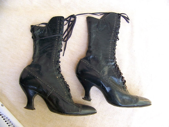 Dress Ladies Camel Hair Coats as well Kendo Armor moreover High Heel Lace Up Victorian Boots additionally Men Outfits further Darth Vader Costume. on belt sizes for men
