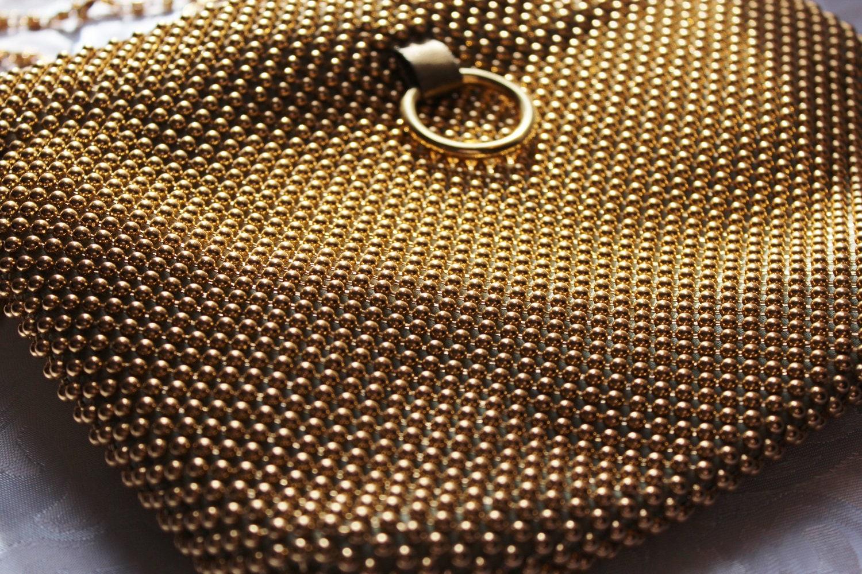 vintage la regale gold metal mesh purse. Black Bedroom Furniture Sets. Home Design Ideas