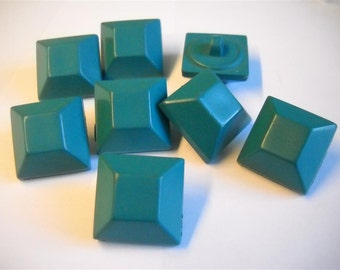 8 pine green square button-21mm