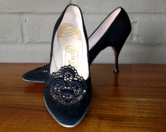 Vintage 1950s 60s Rockabilly Stiletto Pumps 50s 1960s High Heels Shoes Black Lace Leather Lining and Sole 7.5 N Johansen Lewis
