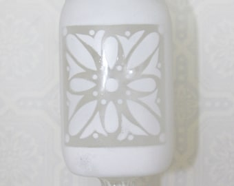 Vintage Shabby Chic White Mason Jar With Crystal Glass Lid