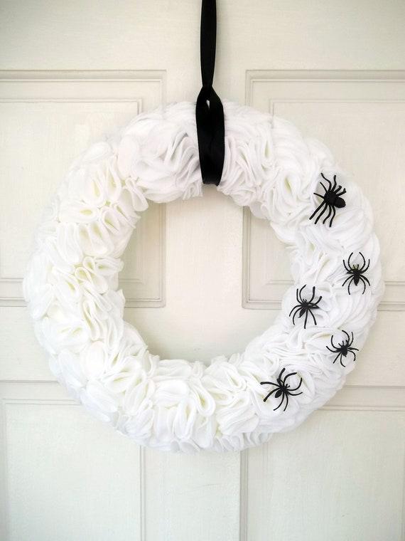 White Halloween Spider Wreath,Halloween wreath, fall wreath, Halloween decor, black and white Halloween, glam Halloween wreath, fall decor