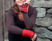 RESERVED FOR ICEBUNCLE  Elegant red. patterend quilted wrist accessories / cuffs / arm warmers. Gift for her