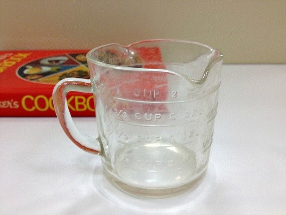 Federal Glass Measuring Cup Triple Spout