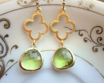 Peridot Earrings Green Gold Clover Quatrefoil - Bridesmaid Earrings - Wedding Earrings - Valentines Day Gift