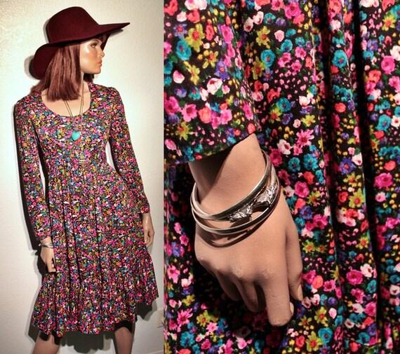 60s/70s psychedelic prairie dress // floral print // ruffle hem