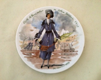 "LIMOGES Collector Plate - Lady's COSTUME PLATE ""Edith La Femme practique 1915"" - Free Shipping"