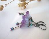 Flower Beadwork Earrings - Dangle - Purple