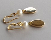Twisted Mini French Gold earrings with freshwater pearls