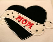 personlized mom heart   t-shirt