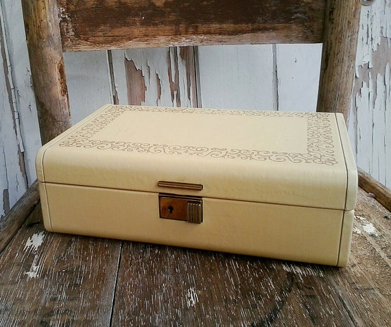 Shabby cottage chic jewelry box in antique white and burgandy-SALE