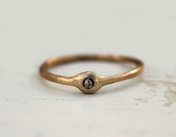 Champagne rose cut diamond ring. 18k gold. Penelope.