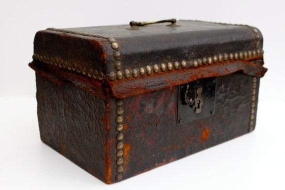 Antique document box - Reserved