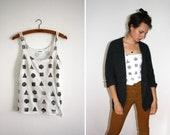 Shirt/Tank Top // white / grey // geometry