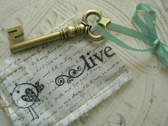 Live Mini Fabric Pocket with Metal Key