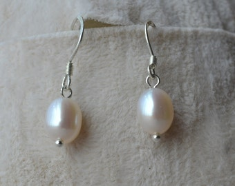 Pearl Earrings,7x9mm white Freshwater Pearl Dangling Earrings ,drop pearl earring, pearl drop earrings,wedding earrings, bridesmaid earrings