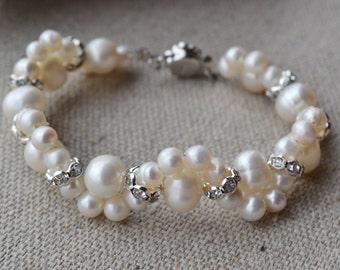 ivory pearl bracelet,Freshwater Pearl Bracelet,crystal bracelet,wedding bracelet,jewelry,real pearl bracelet, bridesmaid bracelet