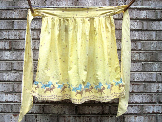 Vintage apron, yellow gingham,dog and cat apron, cottage kitchen, half apron, vintage kitchen