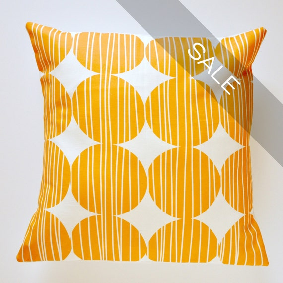 SALE - Orange Circle 16x16in Removable Pillow Cover