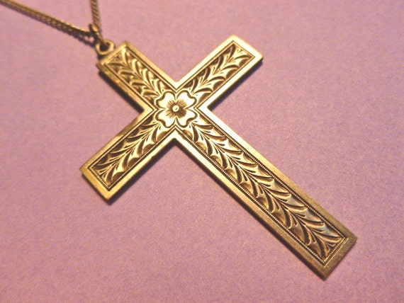 Vintage Pewtertone Etched Cross Pendant with Neckchain