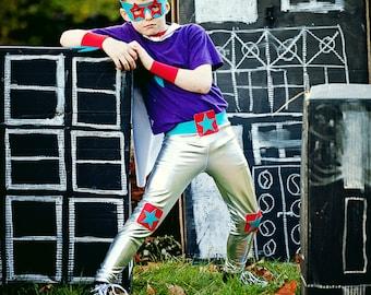 shiny silver leggings..... lucha libre shiny leggings