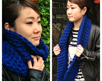Chunky Cowl, Infinity Scarf, Cowl Snood Scarf in Royal Blue handmade - READY TO SHIP