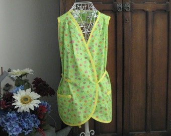 Apron Wrap Style in Bright Summery Lime Green Fruit Fabric Yellow Trim Kitchen Accessories Mom's Gift