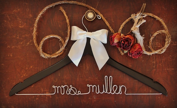 Personalized Wedding Hangers for Bridal Party - Custom Finish