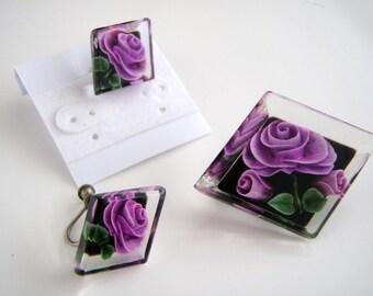 Vintage 1950's Lucite Plastic Purple Roses, Black Background Brooch /Earrings
