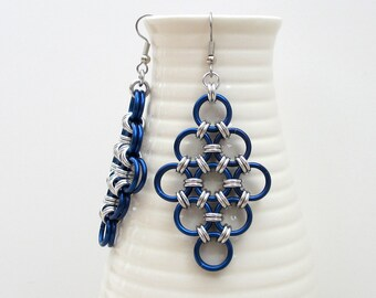 Blue chainmaille earrings, large Japanese diamonds