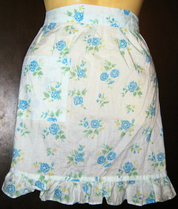 Vintage 1950s Apron Cotton Blue Flowers Rockabilly Housewife