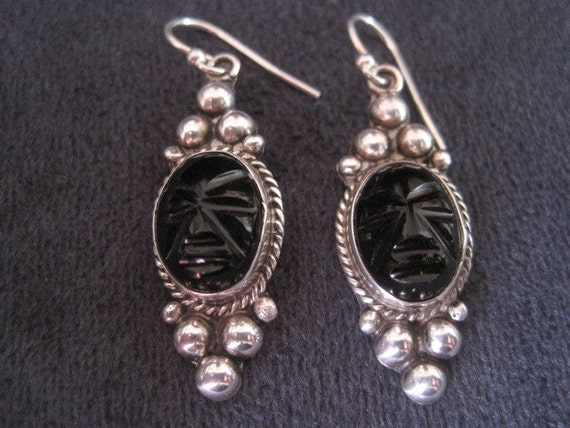 Black Onxy and Sterling Silver Earrings. Mexico