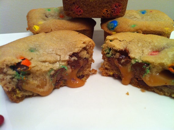 cookie caramel bar - the EUREKA Bar- M&M cookie bar w/ chocolate and caramel oozing out the middle, 1 dozen
