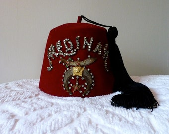 Vintage Shriners Fez Medinah Temple Chicago Rhinestone Hat