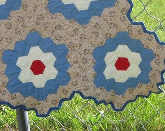 Antique Quilt Grandmother's Flower Garden Honeycomb 1945  76x94 Inches