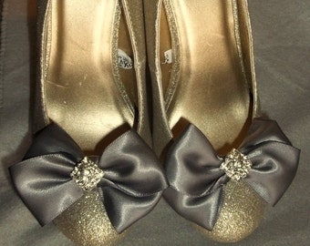 Wedding Bridal Shoe Clips - pair - with sparkling rhinestones - MANY COLORS to choose from, Womens Wedding Accessory, Bridesmaid Gift