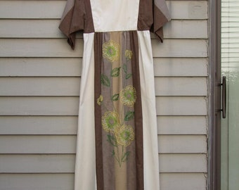 Vintage Hand Embroidered Nursing Caftan ala 1980s earth tones