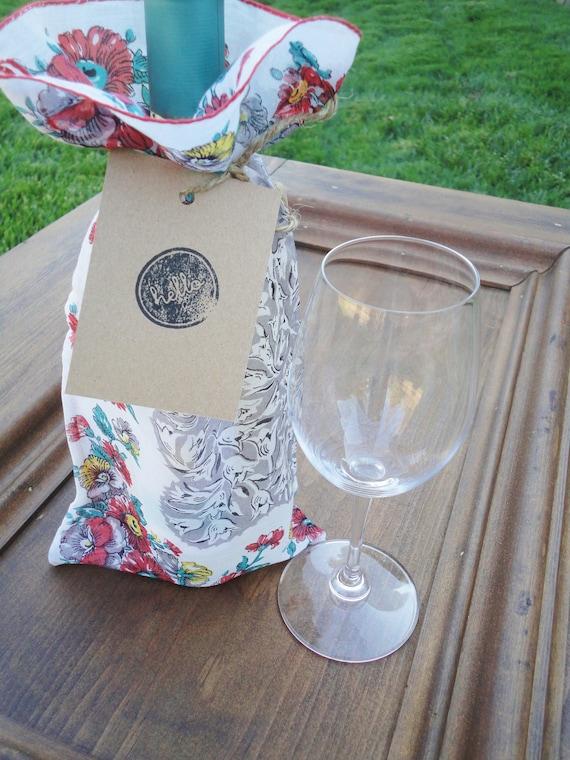 Wine Bottle Gift Bag // Vintage Hankie Wine Sleeve // Upcycled Gift Bag FREE SHIPPING