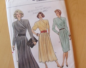 Uncut Vogue Sewing Pattern 9733 - Size 10
