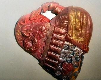 Steampunk heart pendant for necklace bracelet or purse charm