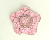 Unique gift, Pink zipper brooch, Flower Brooch, Zipper Pin. Approx 3.2 in/ 8 cm. eco friendly, recycled jewelry