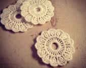 6 pcs white doily Lace trim Vintage style Cloth Jewelry supplies 33mm diameter  (AV037)