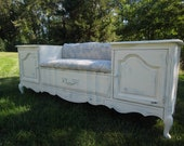 Stunning bench with a LOTS of Storage