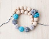 Nursing necklace / Teething necklace / Crochet nursing necklace - Grey, Aquamarine - Necklace with flowers