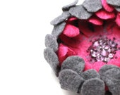 Felted flower brooch pin - grey and pink raspberry flower - ready to ship - floral jewelry - felt wool flower pin